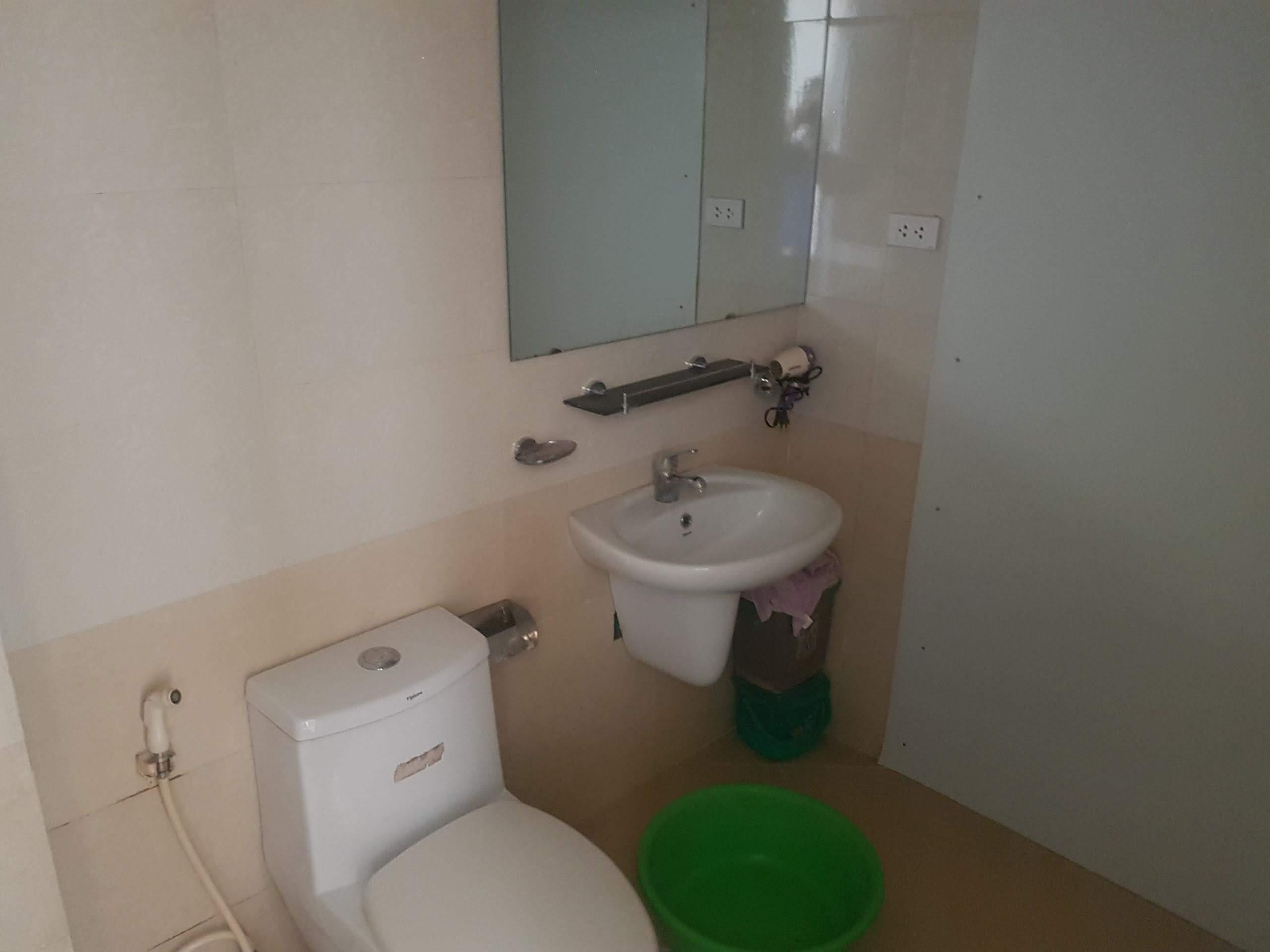 Bán căn hộ chung cư Việt Hưng CT 15 dt 100m2 giá 2.8 tỷ