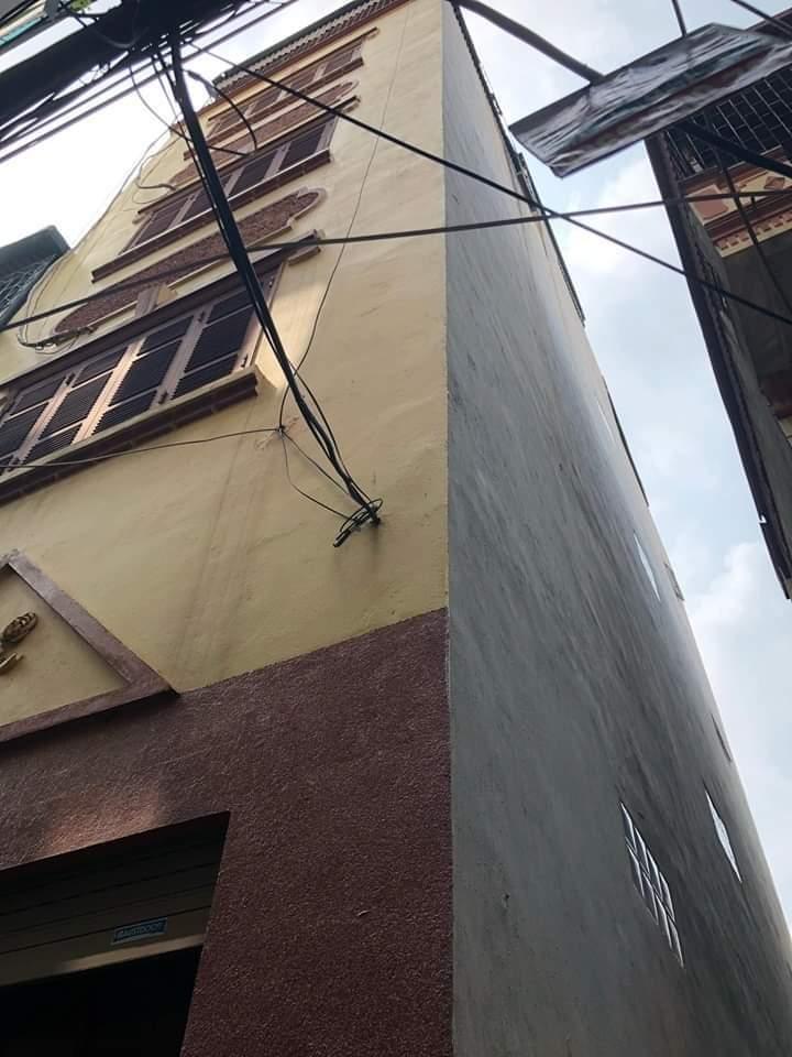 Bán nhà phố Tân Mai 50mx6T,MT4.5m, giá 3.58 tỷ.