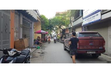 Mặt Phố Chính Kinh, kinh doanh sầm uất, đối diện chung cư, giá tôt 75mx2T.