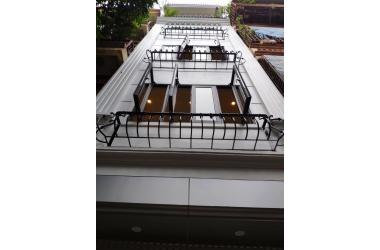 Bán nhà phố Tôn Đức Thắng, quận Đống Đa, ô tô đỗ cửa vào ra, nhà mới lô góc, 50m 5 tầng, giá 6.1 tỷ, 0347282222