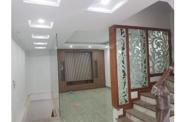 Bán nhà đẹp phường Long Biên, dt55m2 *6 tầng ,thang máy ,ngõ ô tránh nhau giá 7.1 tỷ