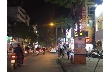 HIẾM! Mặt phố VIP Thái Hà, kinh doanh, cho thuê 45 triệu/tháng giá 13,7 tỷ. 0974984929.