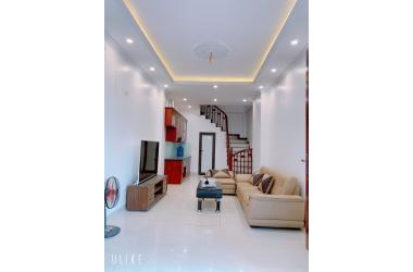 Bán nhà đẹp Phúc Đồng 32m2 x 4,5 tầng, hướng TN, ngõ 2,3m cách đường 2 ô tô tránh chỉ 20m