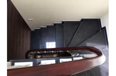 Bán nhà phường Thạch Bàn diện tích 43m2* 4.5 tầng ô tô đỗ cửa , giá 2.75 tỷ