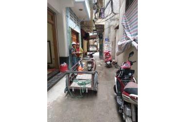 2.5 TỶ!! Bán nhà Nguyễn Khánh Toàn MT4m, 35m2 x 3 Tầng. lh 0325783838