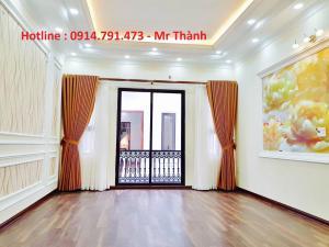 Nhà đẹp Cự Khối - Long Biên- Hà Nội , vị trí đẹp , nhà đẹp, giá đẹp ! còn trần chờ gì nữa