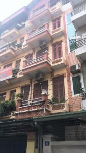 Định cư nước ngoài nên cần bán nhanh nhà Đống Đa, lô góc, oto đỗ cửa, KDVP, 56m2 4T MT 4.5m, 6.8tỷ. 0979879773