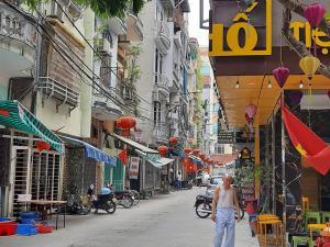 Bán nhà Lê Trọng Tấn,Thanh Xuân, ô tô tránh_ Kinh Doanh_ 5 tầng, 5,7 tỷ.