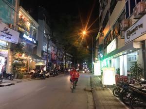 Bán nhà Quang Trung_Kinh Doanh_ ô tô tránh, 65m2,  3,85 tỷ.