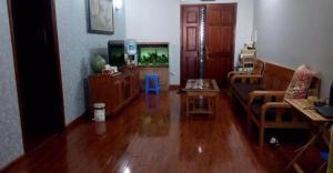Cần bán gấp nhà mặt phố Duy Tân giá cực rẻ LH ngay 0967805798