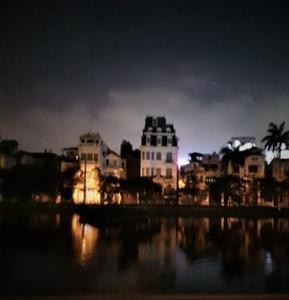 View Hồ, Gara ô tô, nhà mới 5 tầng Nguyễn Văn Cừ - Long Biên