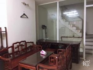 Cho thuê nhà Nguyễn Thái Học, Dt: 40m×5 tầng, full nội thất, kinh doanh online