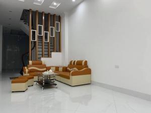 Nhà Minh Khai ô tô đỗ cửa, kinh doanh sầm uất, nhà mới 4 tầng 50m 5 tỷ