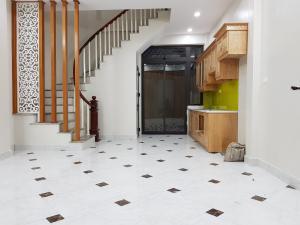 Siêu phẩm nhà mới Vĩnh Hưng, 10m ra phố, 42m x 5 Tầng mới cứng giá 2.7 tỷ