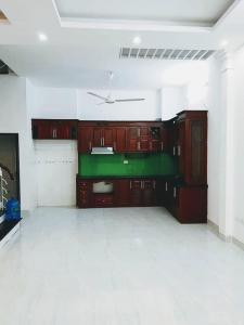 Chính chủ cần bán nhà phố Khương Trung, ngõ 3 mét, 215m2 nhà mới nhỉnh 3 tỷ