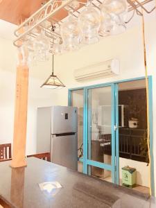 Tôi cần bán căn hộ 313 tòa A2 cc 151 Nguyễn Đức Cảnh, đã sửa mới, 2PN 87m 1.74 tỷ 0903417838