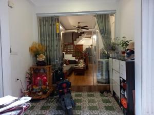 Cần Bán Gấp Nhà Ngọc Thụy, 4 Tầng, MT 5, Ô tô vào nhà, kinh doanh, lh: 0967745667