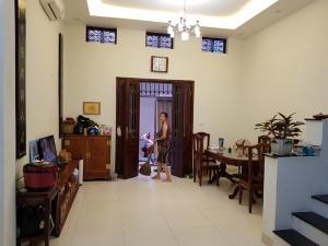 Bán nhà phố Lê Thanh Nghị, cách mặt phố 30m. Dt 45m2 giá 4.65tỷ có thương lượng