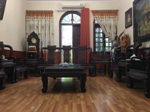 Nhà đẹp , Phố Lê Trọng Tấn , Bán Gấp , DT 64m , 5 tầng , 6.4 tỷ , liên hệ Mr Nhâm : 03456 71 506