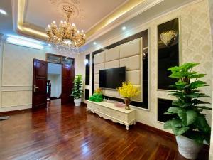 Bán nhà ở , Lê Trọng Tấn , DT 41m2 x 4 tầng , ngõ nông , thông thoáng , ô tô đỗ khoảng 10m , cực hiếm , giá tốt , lh: 034 567 1506
